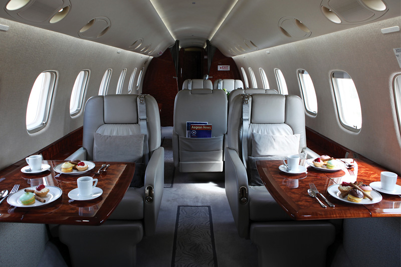 Legacy 600 – Enjoy Dessert & Coffee Onboard